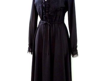 Vintage Black 70s Dress - Black 1970s Day Dress - Long Sleeve Black Crepe Dress with Black Lace - Size Large estimated