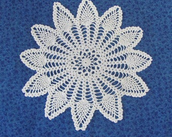 Vintage 13 Inch Hand Crochet White Cotton Hand Crafted Doily Pineapple Star Pattern