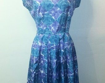 AUTUMN ARRIVAL 25% OFF 1950s Blue and Purple Wiggle Dress - Vibrant Pleated Floral Dress