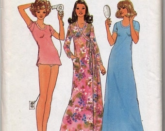 Vintage  Misses' Nightgown in Two Lenths, Bikini Panties and Robe Sewing Pattern _ Simplicity 7654 - Size 16-18 (Large) UNCUT