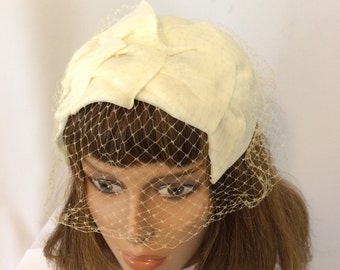 Vintage Cream Fascinator // Cream Chiffon and Netting Hat// 1950's Fascinator // Bridal Party Hat