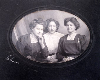 1890s Antique Cabinet Photo-Three Sisters - Gibson Girls-Victorian Ladies