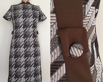 1970's Brown Houndstooth Shift Dress Polyester Dress Sz Small Medium by Maeberry Vintage