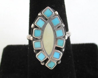 Native American Sterling Silver & Turquoise Ring - Vintage, Probably Zuni