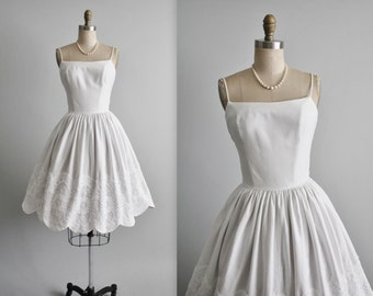 50's White Dress // Vintage 1950's White Pique Cotton Lace Full Garden Party Dress XS