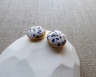 Glazed dome stud earrings with gold crown