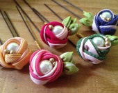Kanzashi. Tsumami zaiku. Candy Rose hair pin. silk flower. Japanese kimono fabric.