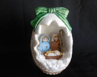 Hand Painted Ceramic Egg Nativity, Holy Family Egg, Holy Family in Egg Basket, Ceramic Egg, Christmas Egg, Nativity Scene, Nativity