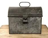 Vintage Metal Tin Lunchbox Pail