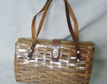 Classic Woven Straw Brown Vintage 1950's 1960's Women's Handbag Purse