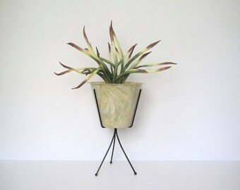 Mid century atomic plant container/ metal legs plant stand/container