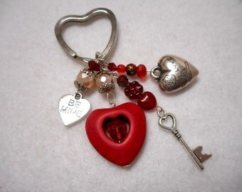 Heart Key Chain, Valentine Key Chain, Beaded Key Chain, Red Key Chain, Handmade Key Chain with Red Velvet Pouch, Gifts for Her, Accessory