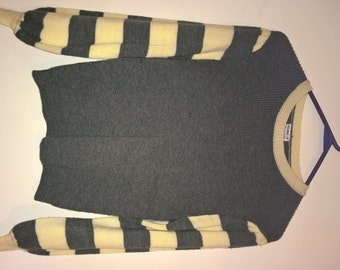 Vintage 1980s forest green and creme jumper sweater with striped bell sleeves