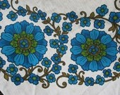 Stunning sturdy cotton linen round tablecloth vintage Scandi style green blue turquoise vine floral Sweden