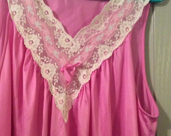 Long nightgown large nylon sleeveless pink with white profuse lace top Vanity Fair no flaws
