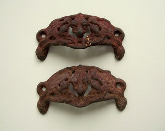 Antique Cast Iron Drawer Pulls | Ornate Drawer Handles | Victorian Shabby Cottage Chic | Furniture Salvage  Assemblage Art Supply | Set of 2