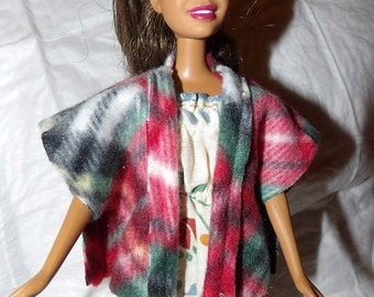 Red & black plaid Fleece cape / vest for Fashion Dolls - ed856