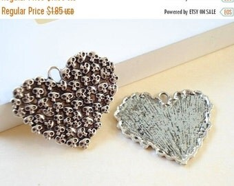 50% OFF Moving Sale - 10 Large Antiqued Silver Tone Heart / Pendant/ Charm/ 44x36mm B-1023
