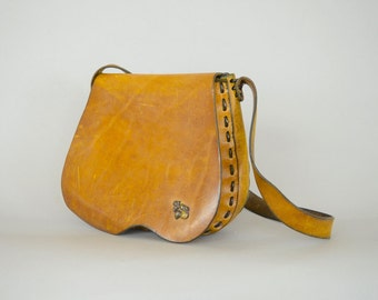 70's Distressed Saddle Bag