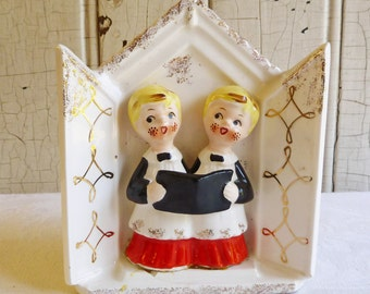 Vintage Christmas Choir Boys Planter or Wall Pocket - Made in Japan - Mid-Century 1950s - Vintage Christmas Decoration - Ceramic Collectible