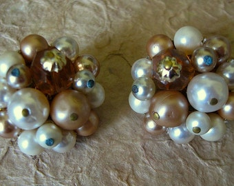 Vintage 1950s Ivory, Bronze and Amber Bead Clip on Earrings