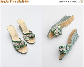 20% SALE vintage 40s woven straw wedge sandals - beads pearls & silver sequins / 40s Polynesian sandals - WW2 sweetheart gift / pin up sanda
