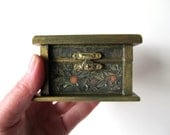 Jewelry Box Small Wooden with Antique Herb Pictures Celtic Tapastry Design in Green and Gold
