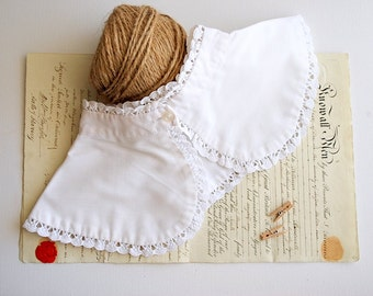 Vintage White Cotton and Lace Peter Pan Collar, Button Up Collar