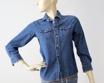 denim shirt by Wrangler, vintage chambray snap up top