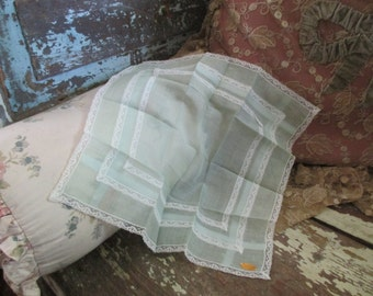 Vintage Hankie BEAUTIFUL Pale Shabby Chic Mint White Lace Swiss Handkerchief