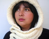 Eternity Cream Color    Hoodie Mixed Wool Yarn Hood Woman Chunky  Hooded Cowl NEW