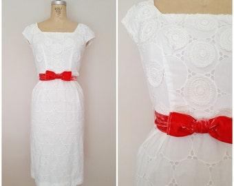 Vintage 1950s Dress / Jerry Gilden / White Crochet Medallions / Velvet Bow / XS