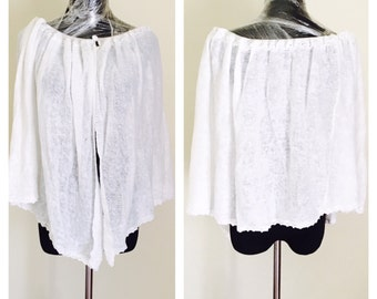 Knitted Poncho/CAPE, Classic White, Vintage Fashion by Sisly, Made in Italy, item no BDE002