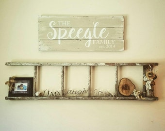 Family Sign - Family Name Sign - Rustic Wood Sign - Family Name Established Sign Reclaimed Wood Sign - Wedding Gift - Personalized Wall Art