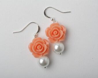 Peach Bridesmaid earrings, Peach rose earrings, Peach wedding earrings, bridesmaid gift, peach flower jewelry, rustic wedding jewelry