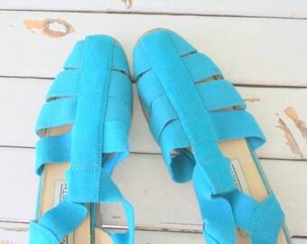 1980s BLUE FABRIC Flats..size 6 7 women..urban. hipster. summer. flats. shoes. womens. retro. fancy. mod. fabric flats. mod. summer. spring