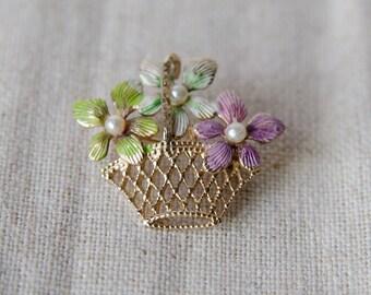 Sweet Vintage Floral Enamel Basket Pearl Pin Brooch -B4