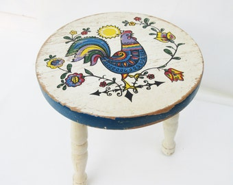 Vintage Wood Stool, Milking Stool, 3 Legged Stool, Foot Stool, Rooster Decor, Wooden Bench, Country Kitchen