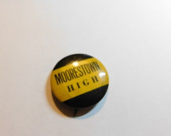 Vintage 1950's High School Pin Pinback Button Moorestown High New Jersey? DR7
