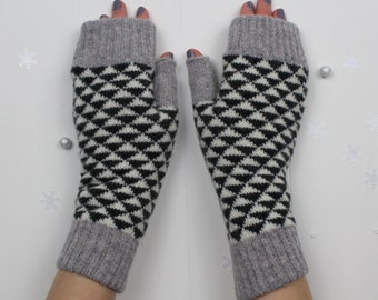 Knitted fingerless mitts / gloves - made in Great Britain from 100% lambswool in a charcoal, grey and cream monochrome geometric design
