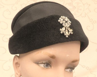 Black velvet pillbox Hat Vintage Winter Style Glenda fashions