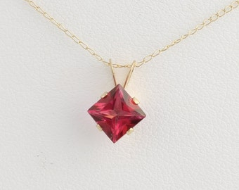 "Mystic Red Topaz Solitaire Pendant & Necklace - 10k Yellow Gold 18"" Chain 1ct MQ248"