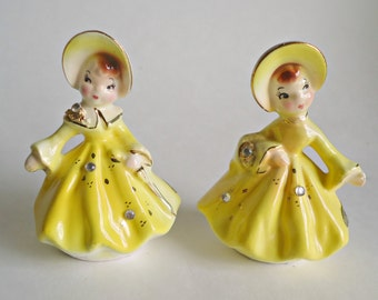 Salt and Pepper Shakers Golden Girls Enesco