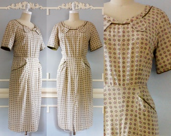 XL Vintage 1940s Feed Sack Dress --> 1940s Rayon Dress  --> 1940s Day Dress --> 40s Dress --> Large 40s Dress --> Vintage 1940 Cream Dress