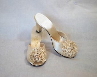 1950s Daniel Green Ivory Satin Slippers, 7 B, Shoes
