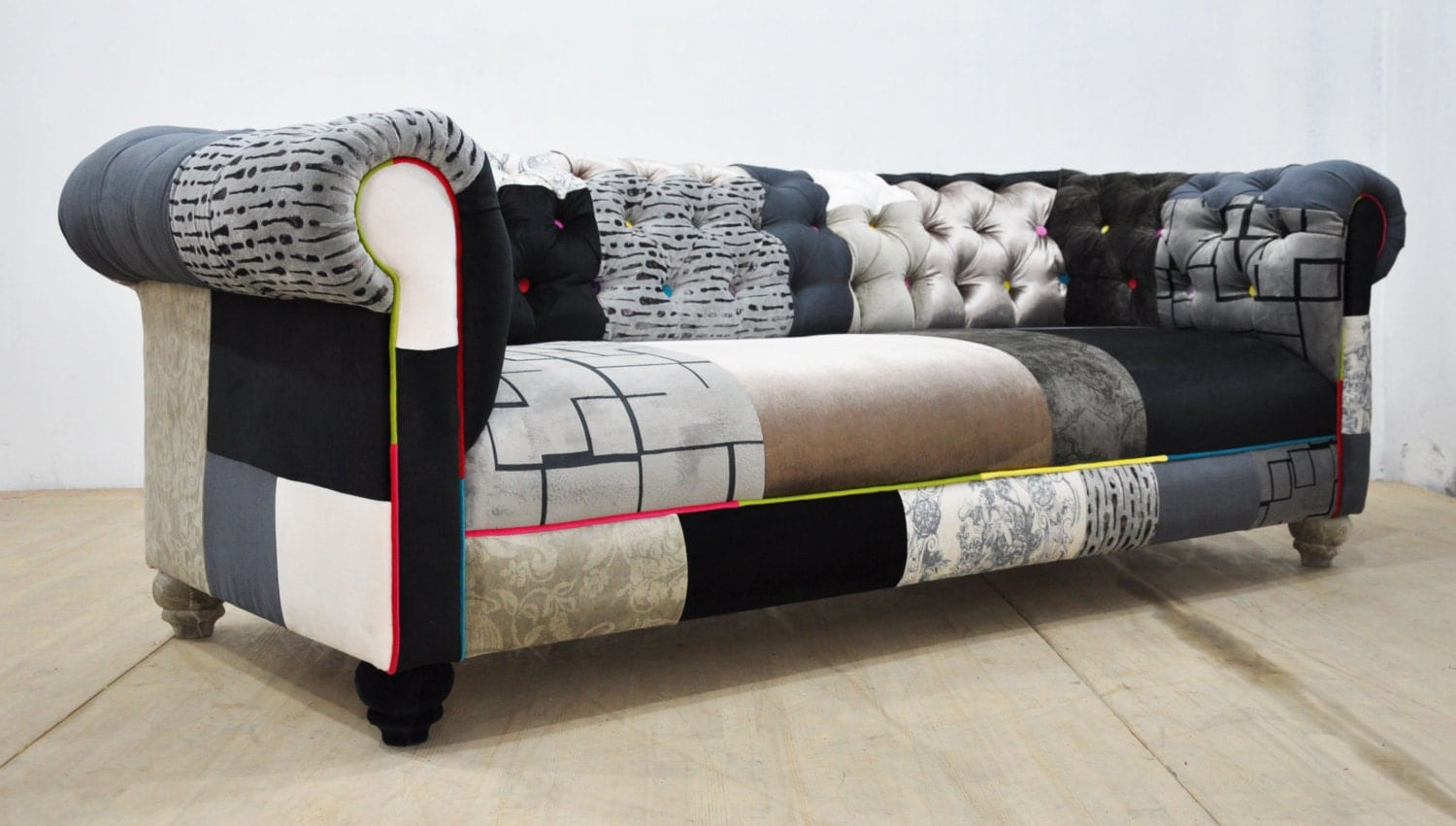 Black white chesterfield patchwork sofa for Patchwork couch