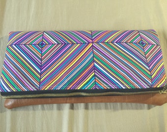 Multi colored snap clutch size 12x12