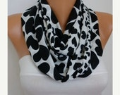 ON SALE - Valentine's Day Heart Print Infinity Scarf Circle Loop Scarf Gift Ideas for her - White - Black Heart - Love - Women Fashion