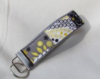 Keyfob wristlet / key chain / patchwork /fabric key fob