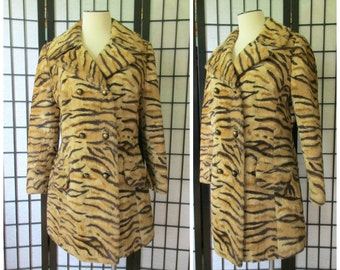 Vintage Faux Fur Coat Tiger Print Double Breasted 1950s 1960s Wide Collar 38 L XL Wild Animal Print Glamorous Long Pea Jacket